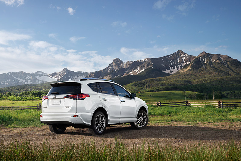 new toyota rav4 canada 2017 toyota rav4 reviews specs. Black Bedroom Furniture Sets. Home Design Ideas